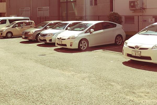 お客様専用駐車場あり